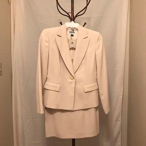 Kasper 2piece suit